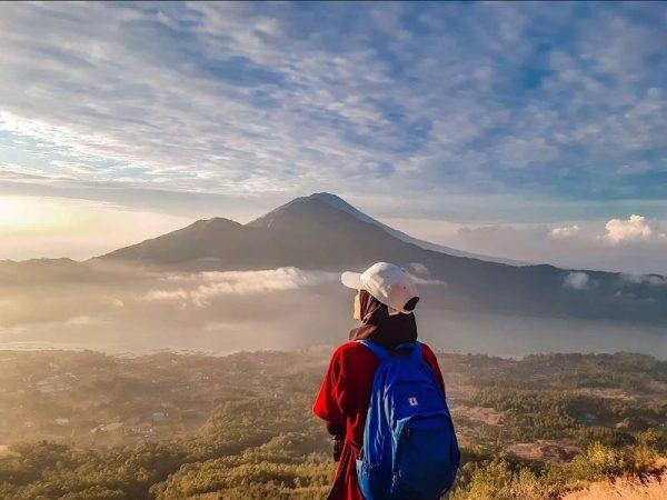 Sunrise Trekking Gunung Batur & Mandi di Air Panas Alami